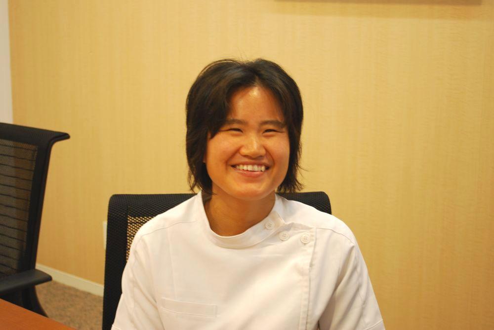 井内奈津美さんインタビュー中の写真