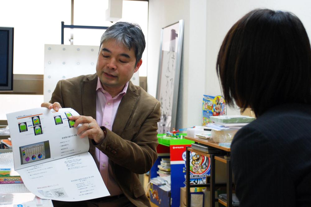 メノコト体操の効果を説明する北出勝也先生の写真