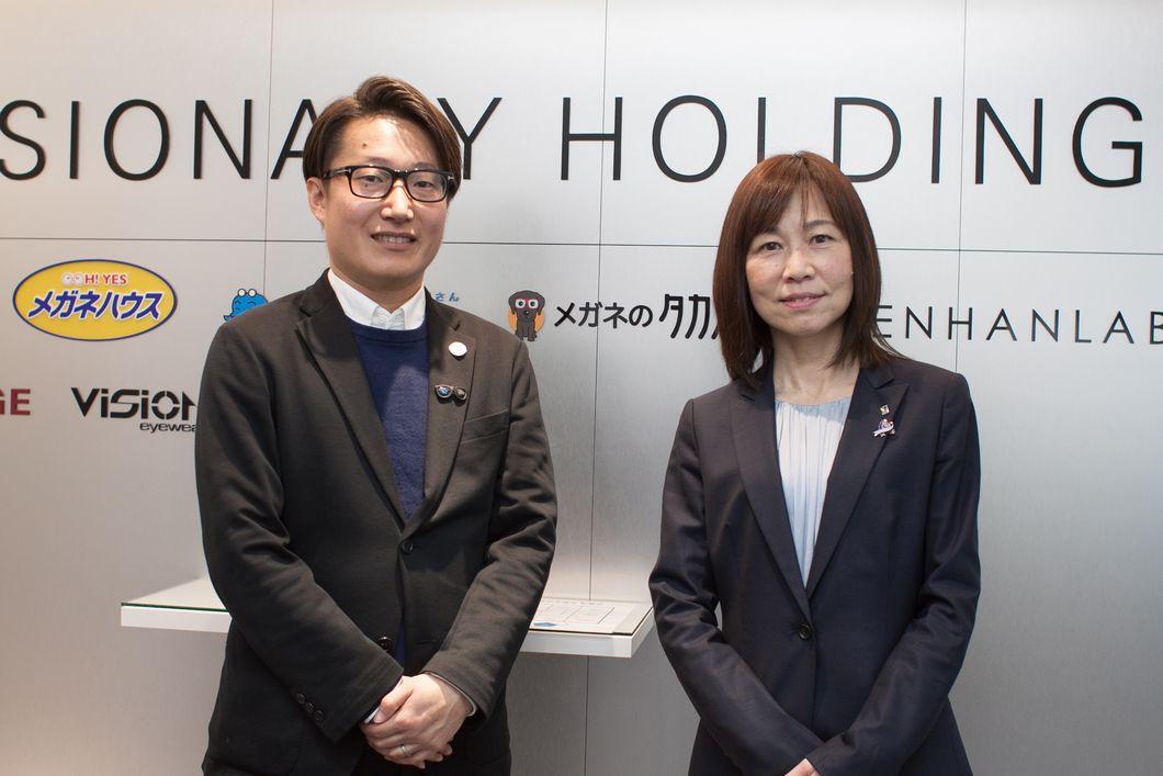 浦 進さんと戸田編集部員の写真