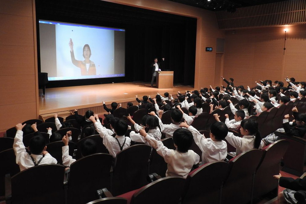 ビジョントレーニング公演中の北出勝也先生の写真