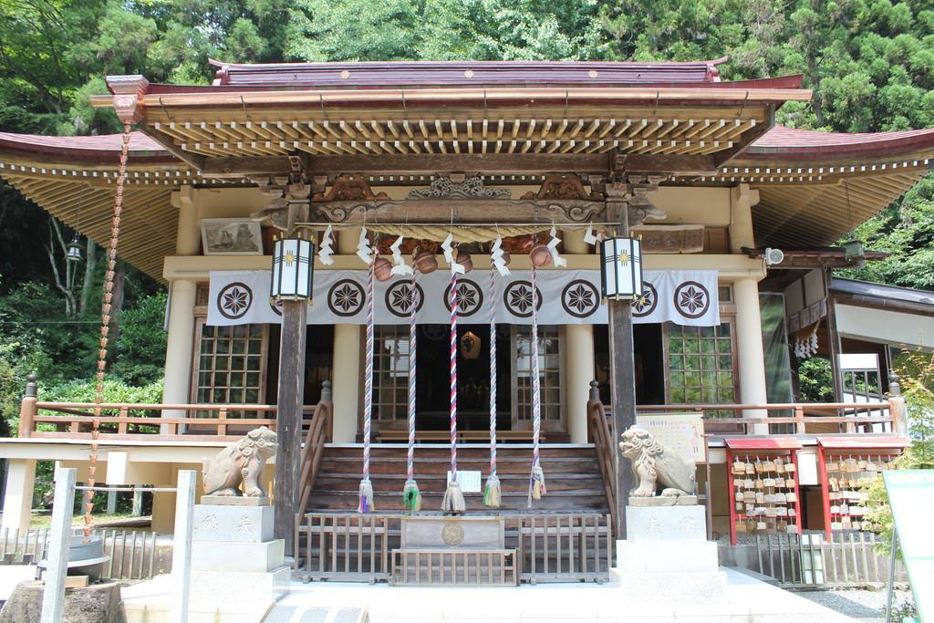 青麻神社境内の写真