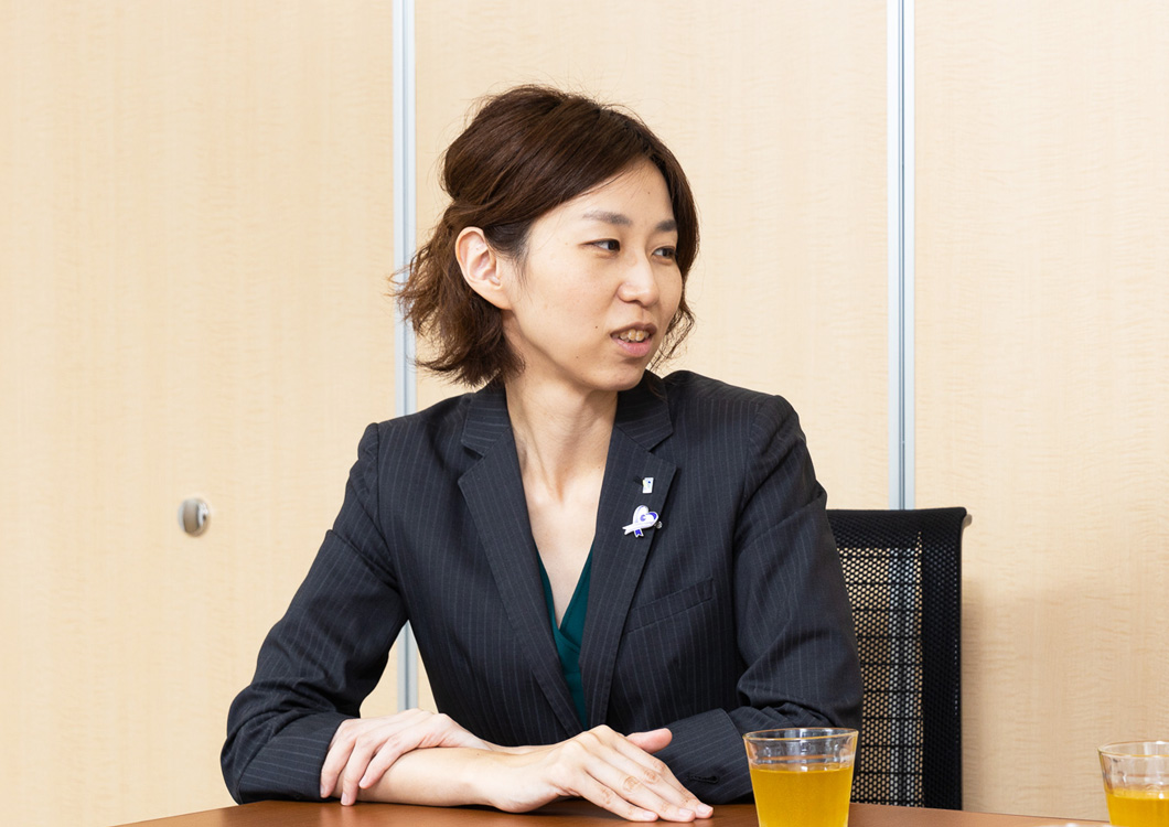 大江編集長の写真