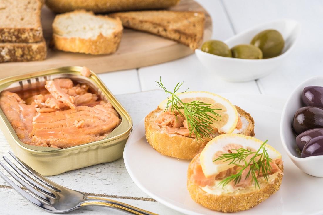 アスタキサンチン食材③鮭缶詰の写真