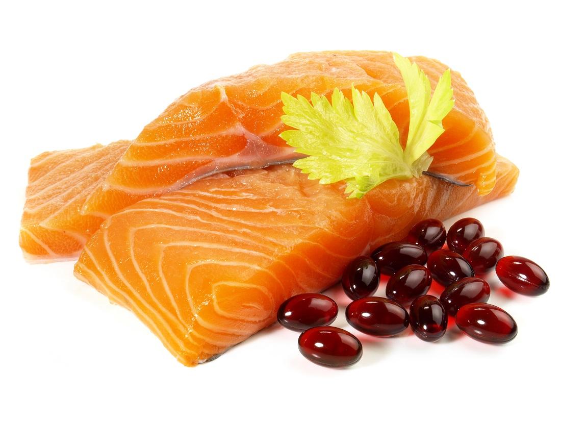 アスタキサンチン食材⑤鮭とサプリメントの写真
