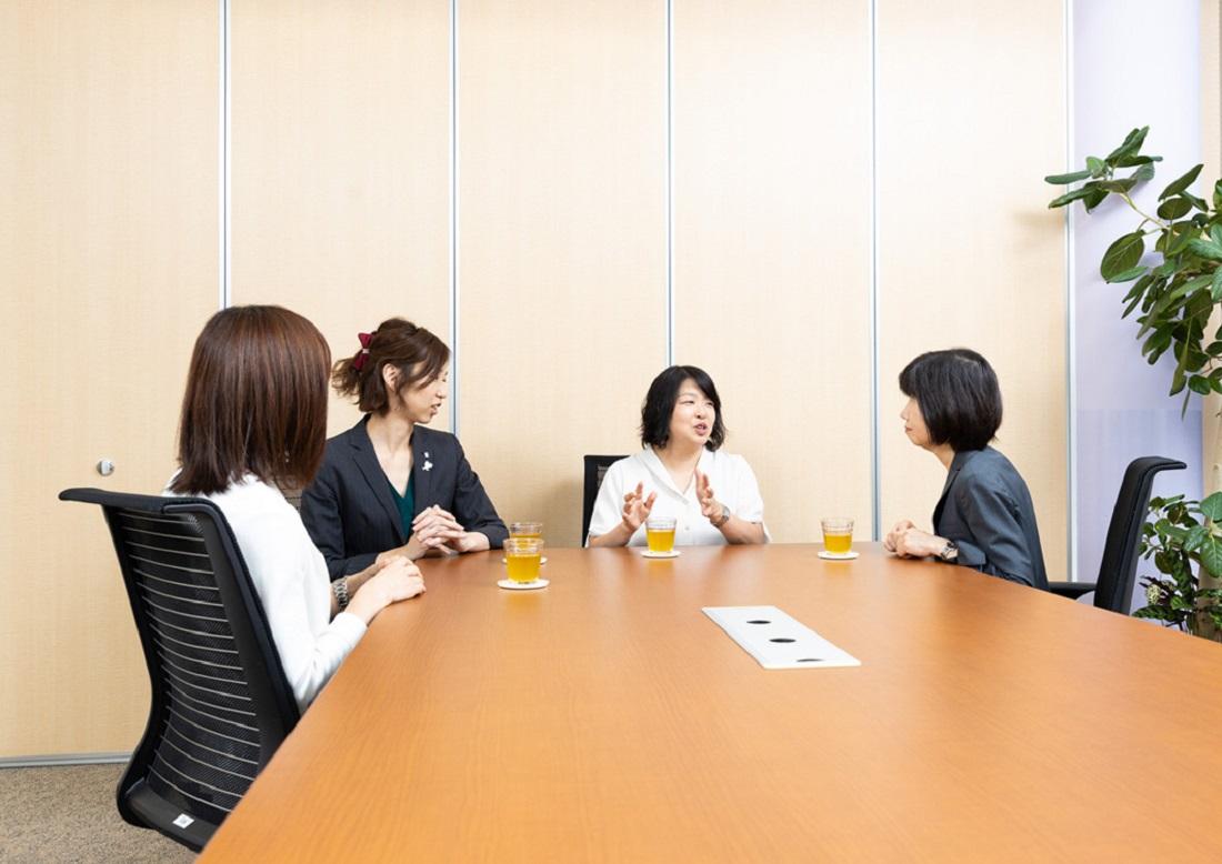子どもの目座談会の写真