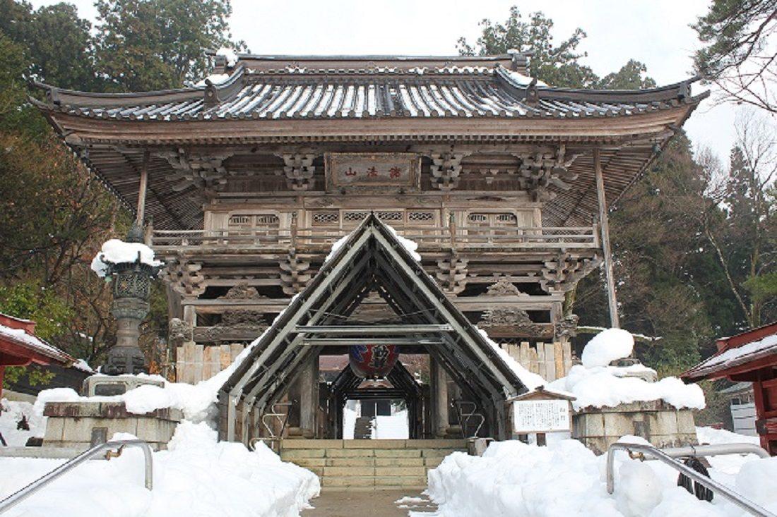菅谷不動尊雪の門