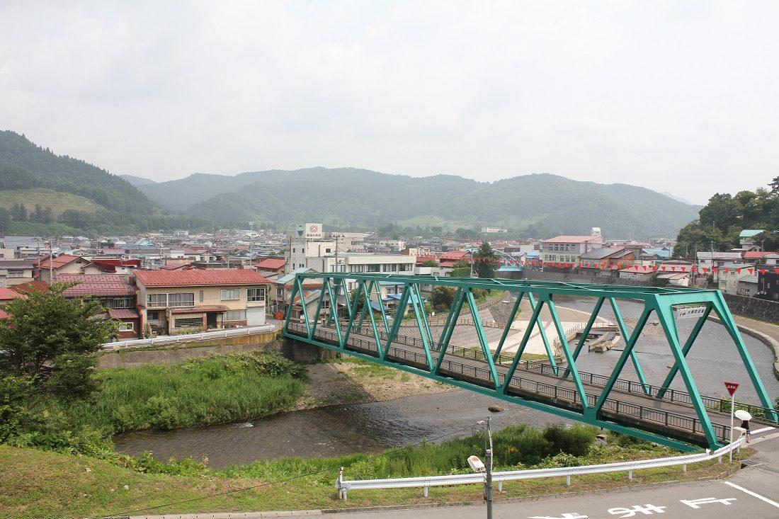 大鰐温泉への橋の写真