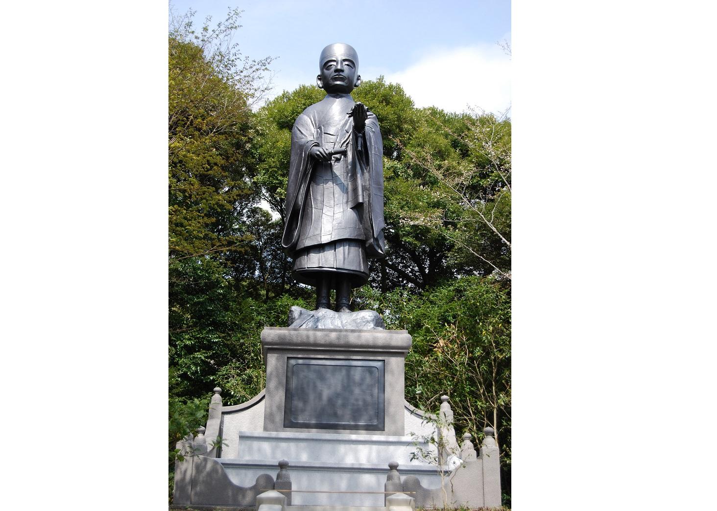 栄西禅師の像