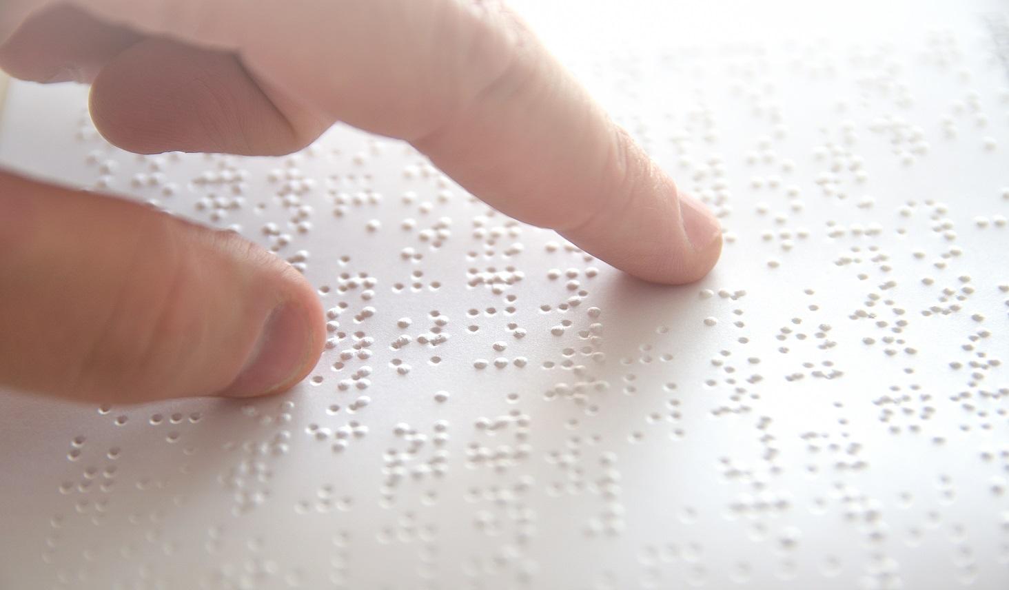 視覚障がい者にとって読む、伝えるサポートとなる点字
